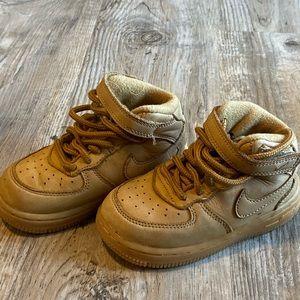 Kids wheat AF1